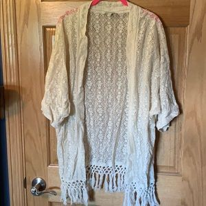 American Eagle lace kimono Size L/XL
